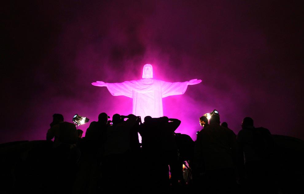 0134-statue-of-christ-the-redeemer-rio-de-janeiro-brazil-10-5-10